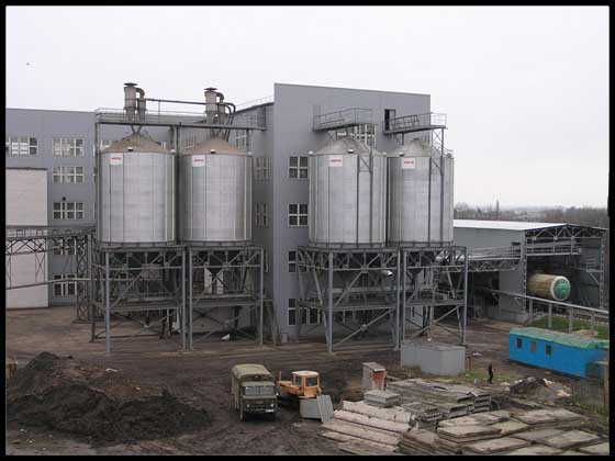 Миронівський завод по  виготовленню круп та комбікормів в м. Миронівка Київської області. Олієпресовий цех  потужністю 640 т/добу