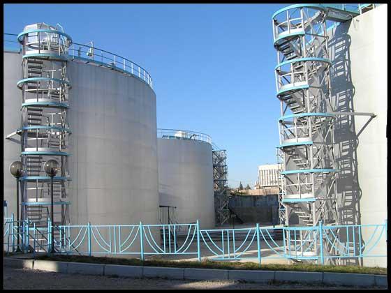 Комплекс по прийманню,  зберіганню та відвантаженню  олії в м. Херсоні. Резрвуарний парк