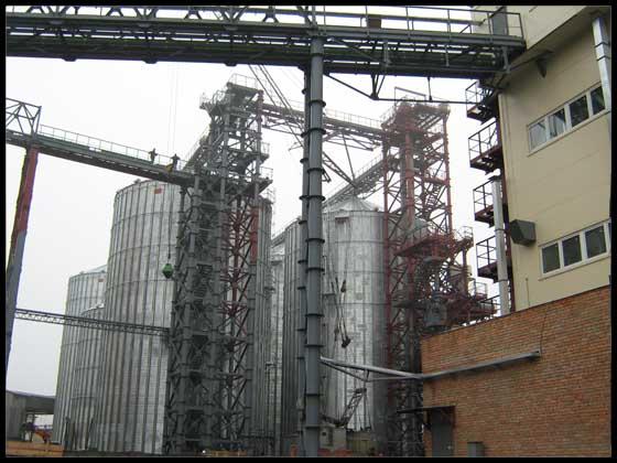 Олієекстракційний завод у м. Полтаві. Насіннєсховище міскістю  35 тис. м3